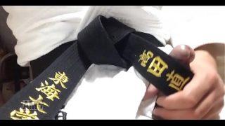 変態のオナニーの道具にされる大学柔道部員の柔道着